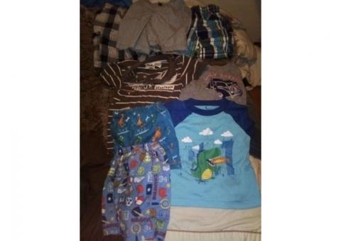 Lot of boys 3t clothes