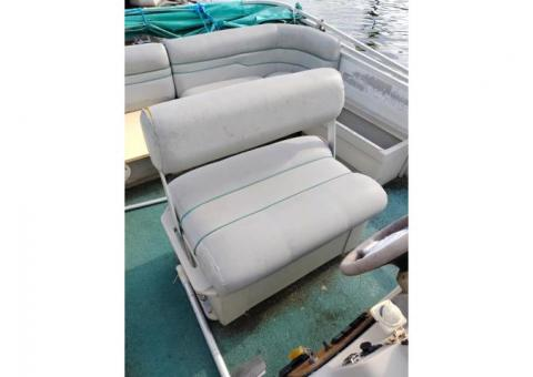 Used Pontoon Boat Seats